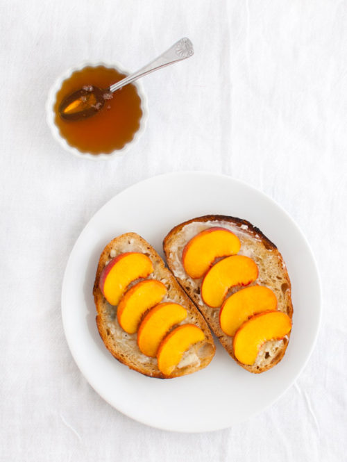 Grilled Crostini with Peaches and Blue Cheese   tamingofthespoon.com