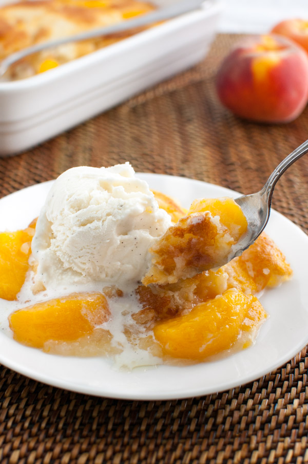 Peach Cobbler | tamingofthespoon.com