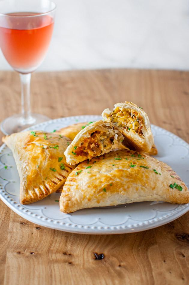 Turkey Empanadas - a creative way to finish off those Thanksgiving leftovers from tamingofthespoon.com