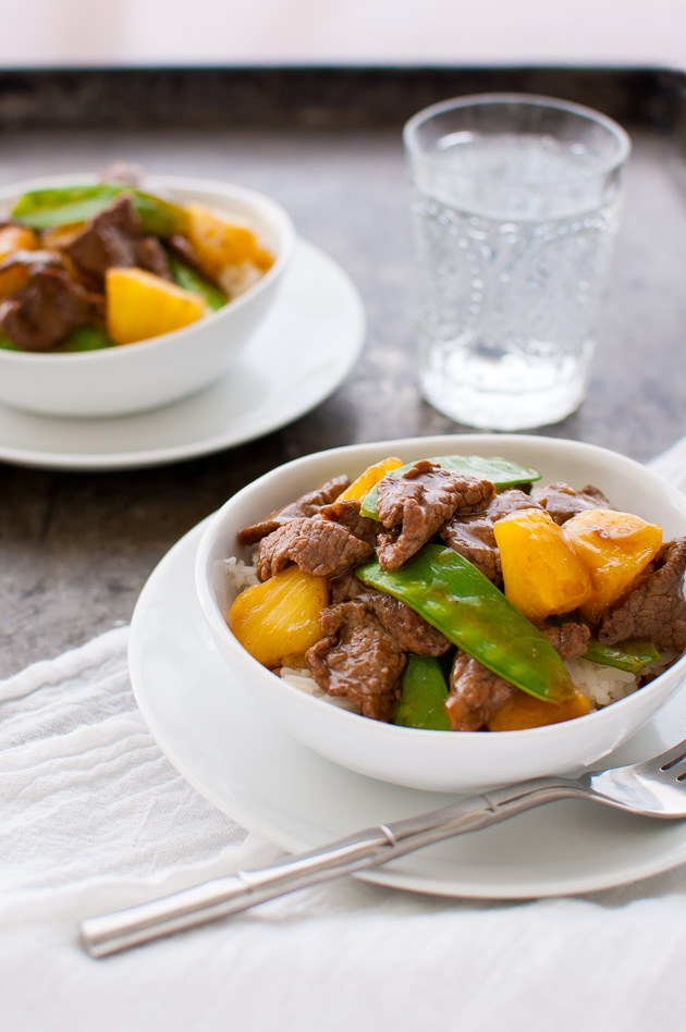 Beef Stir-fry with Pineapples and Snow Peas - Fresh pineapple chunks add just the right amount of sweetness to this tasty Vietnamese beef stir-fry. | tamingofthespoon.com