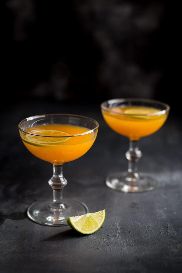 Satsuma Orange Vodka Cocktail - satsuma orange infused vodka mixed with Grand Marnier and a splash of pomegranate liqueur. | tamingofthespoon.com