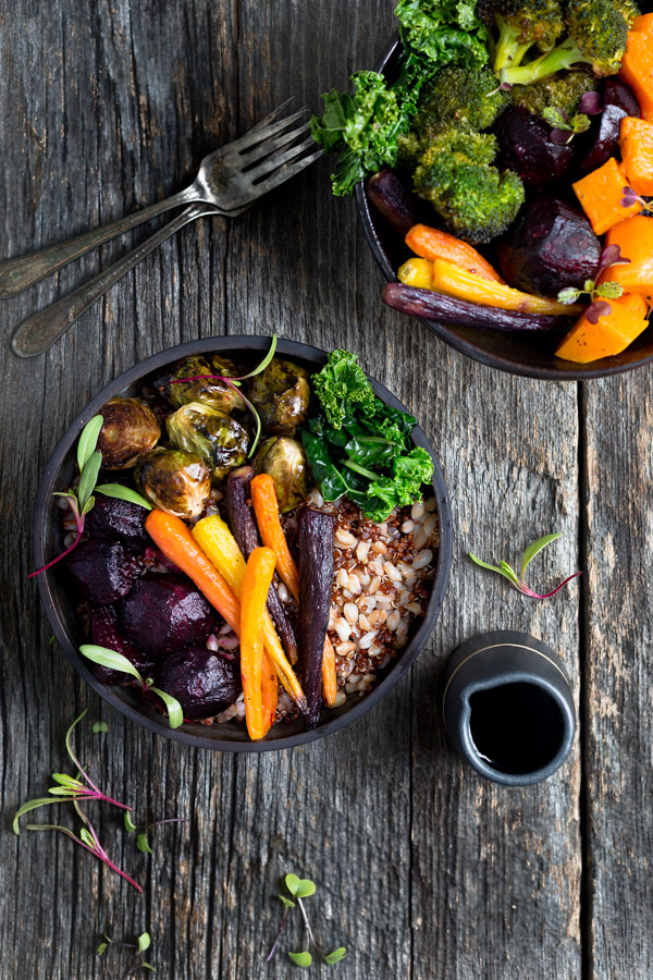 Winter Vegetable Grain Bowls - Nutrition packed and full of flavor, these bowls of farro, red quinoa, and roasted vegetables will make you want to eat your veggies. | tamingofthespoon.com