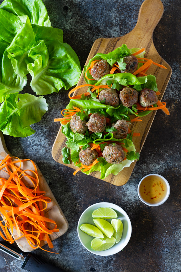 Vietnamese Meatball Lettuce Wraps - These healthy and low-carb meatball lettuce wraps are easy to make and easy to eat. | tamingofthespoon.com
