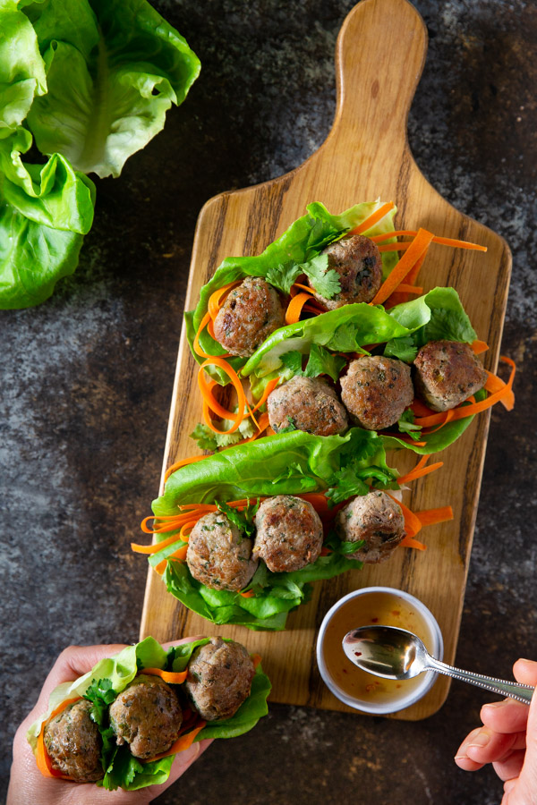 Vietnamese Meatball Lettuce Wraps - These healthy and low-carb meatball lettuce wraps are easy to make and easy to eat.   tamingofthespoon.com